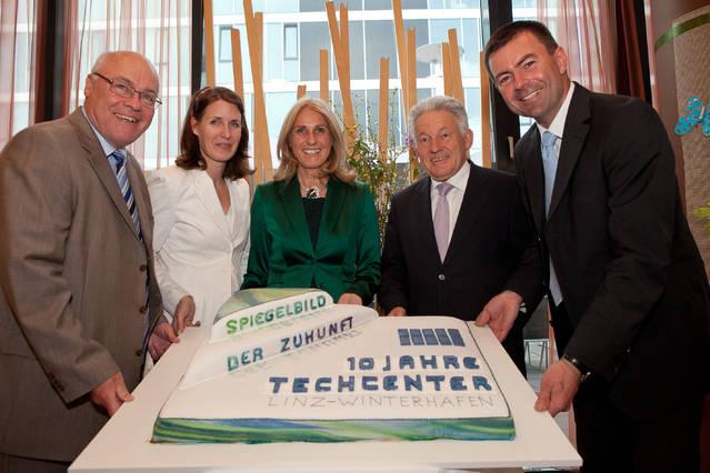 Bild 1 zum Artikel «10 erfolgreiche Jahre - Wirtschaftsempfang des TECHCENTERs Linz-Winterhafen am 10.5.2012»